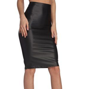 Windsor Sleek and Sexy Midi Skirt Black size S